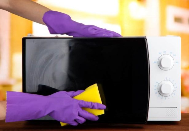Microwave Cleaning Tips | Clean your oven with everyday ingredients and make it shine like new! An article by Foodomania